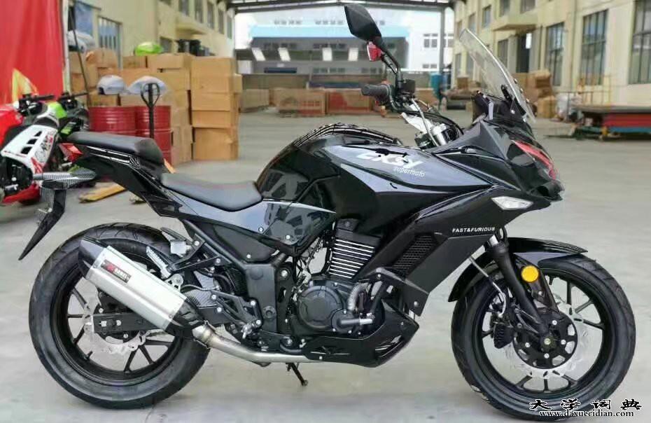 小忍者350摩托车