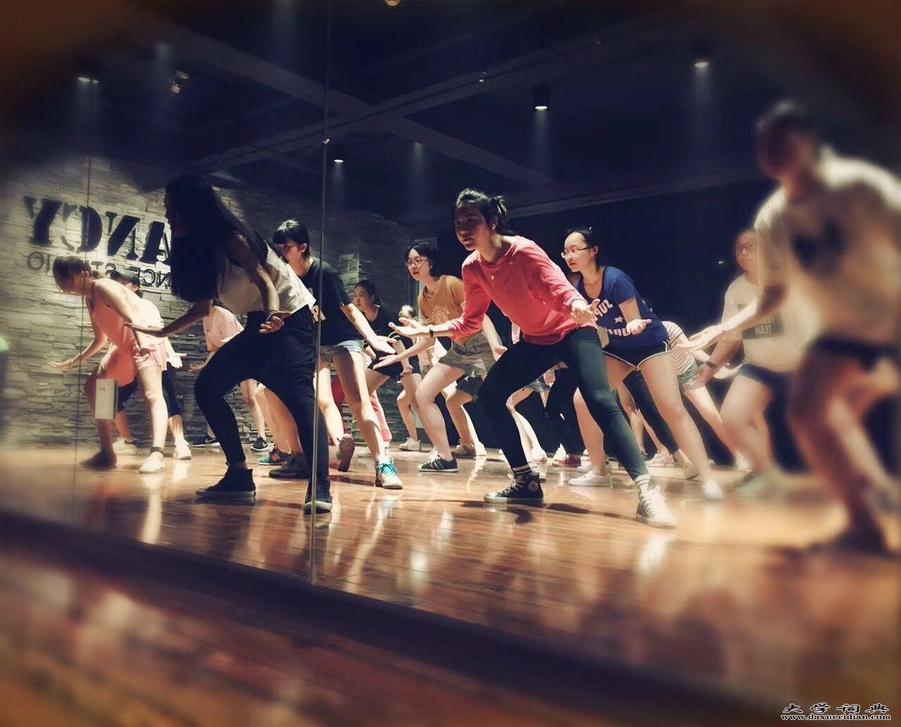 烟台舞蹈培训_烟台舞蹈培训学校_品质教学【卓越舞蹈】