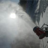 五千平滑雪场造雪设备台数  诺泰克人工造雪机造雪量