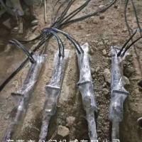 露天矿山基础开采设备液压劈裂机简介