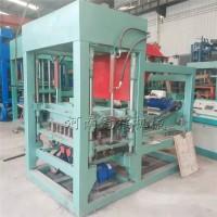港口码头铺设行道波浪砖机设备 冠福QT4-15混凝土透水砖机