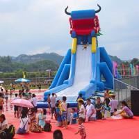 户外游乐园的水上乐园游乐设施强烈推荐