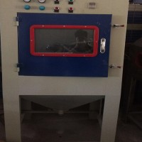 自动喷砂机 平顶山喷砂设备厂家 表面打沙设备清理产品氧化层