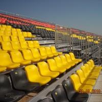 领先体育霄盾户外看台系统 临时看台 活动看台座椅供应商