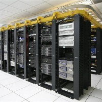 美国服务器租用4核/16G/1TB/50M仅需899元/月